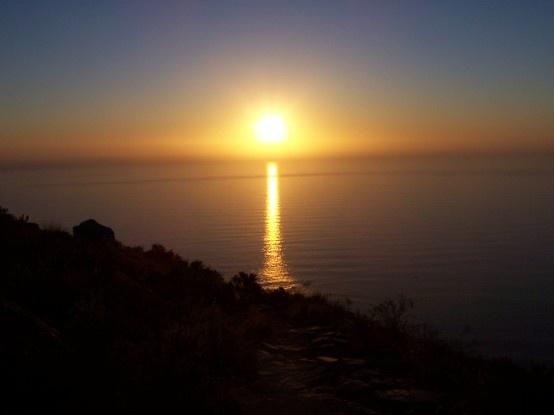 Lion's head sunset walk ~ Karibu Restaurant ~ South African Dining ~ Cape Town Waterfront RSA ~ View Menu, Map, Photos, Ratings for Karibu on Zomato! www.zomato.com/...