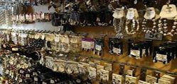 https://www.bisuteriabarata1y2.com - Bisutería Barata 1 y 2.- La mejor tienda online para comprar bisutería barata, complementos de moda y todos los accesorios. Contamos con gran variedad de anillos, bolsos, brazaletes, carteras, cinturones, collares, monederos, pendientes, pulseras, relojes, paraguas, accesorios y mucho mas. Bisutería Barata 1 y 2. El detalle que te hace lucir. #bisuteriabarata #bisuteria #bisuteriaonline #tiendaonline