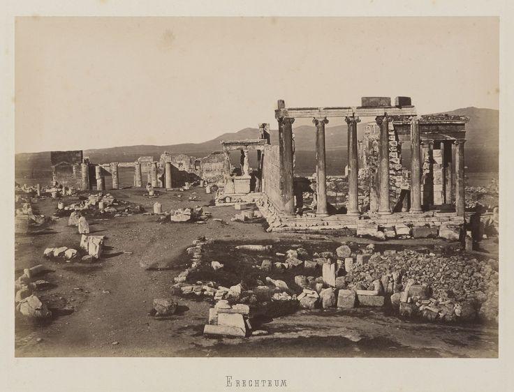 Athènes. Vue de la partie ouest de la terrasse de l'Acropole au                     nord du Parthénon. L'Erechtheion © Musée Guimet, Paris, Distr. Rmn / Image Guimet