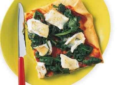 Plaatpizza met spinazie en brie