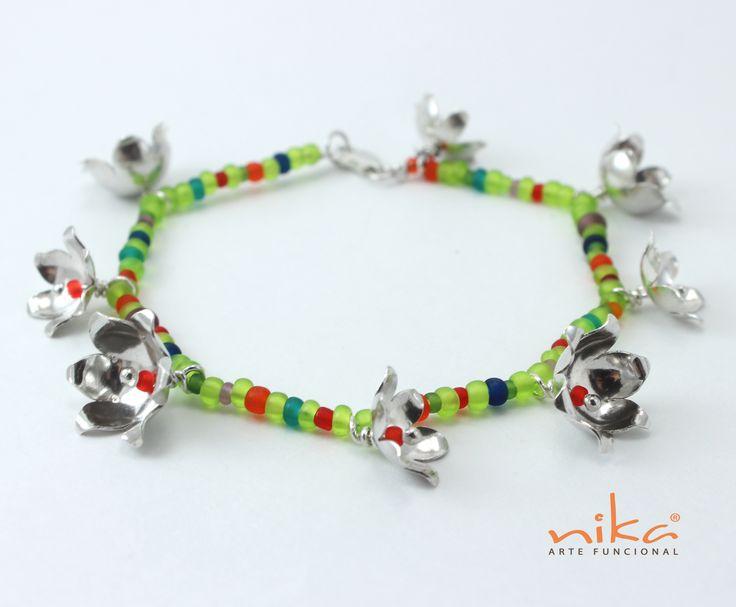 Dale un toque de color a tu vida con estas espectaculares pulseras hechas a mano de Nika