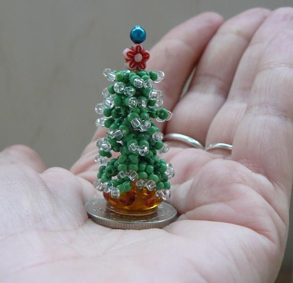 How To: Mini Beaded Christmas Tree