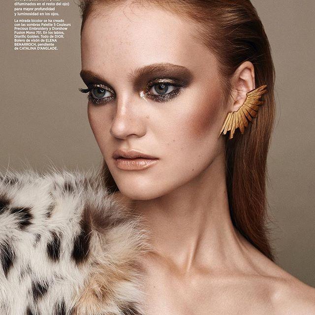 Bolero de visón para el editorial de #harpersbazaar de #ElenaBenarroch / estilismo de @bdelacova / 📸 @zoltantombor / pendientes @catalinadanglade / maquillaje @dior