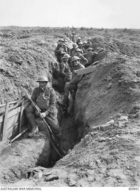 O To Ww Bing Com25 30: Members Of The 45th Battalion AIF In The Advanced Trenches