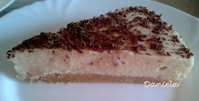 Daniela, bucatarie moldo-ardeleneasca: Tarta cu mousse de gutui si lapte condensat