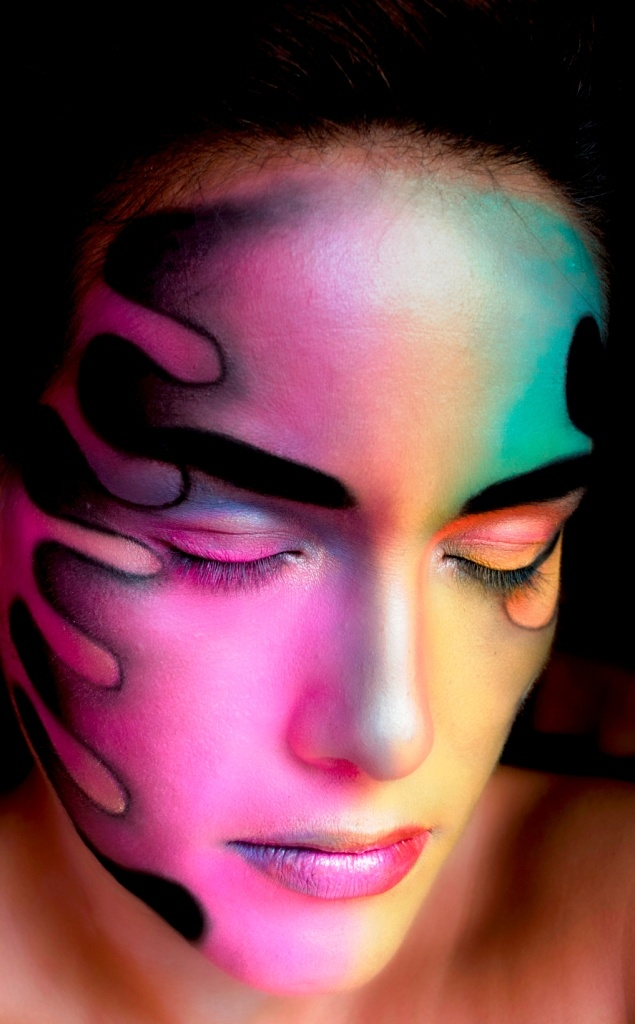 Have you seen the new promotion Real Techniques brushes -$10 .....    http://videos.sapo.pt/9CCS0yzK9WspmHA5o7fC