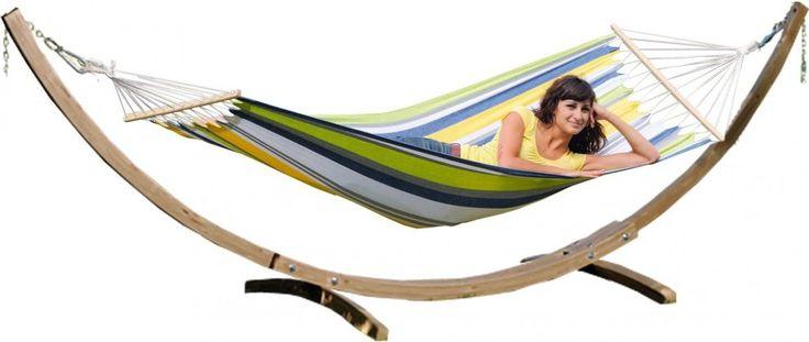 Amazonas StarSet  Tijd voor ontspanning In een hangmat kun je heerlijk tot rust komen. Liggend in je hangmat in Suriname ook wel 'hangmateren' genoemd is de ultieme vorm van ontspanning. Lekker heen en weer zwaaien terwijl je geniet van de omgeving. Met de StarSet van Amazonas kun je op iedere gewenste plek gaan relaxen. Of dit nu thuis is in de tuin op het strand of op de camping de Amazonas StarSet kun je overal plaatsen. Het voordeel van de StarSet is dat je een prachtige weerbestendige…
