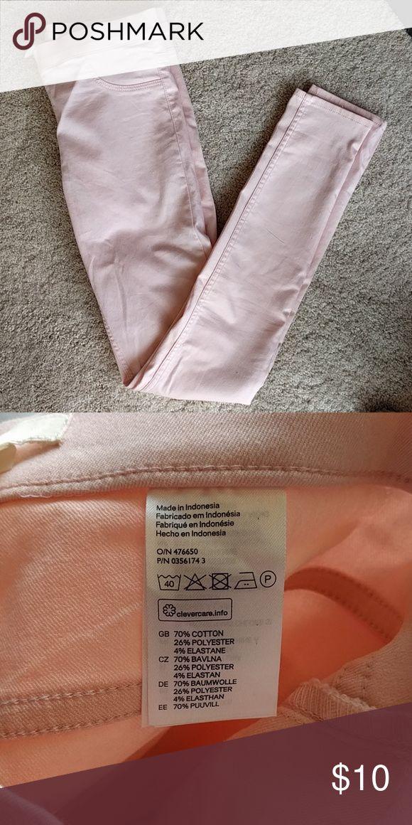 Never worn h&m Leggings H&m pink leggings. Never worn. 70% cotton H&M Pants Leggings