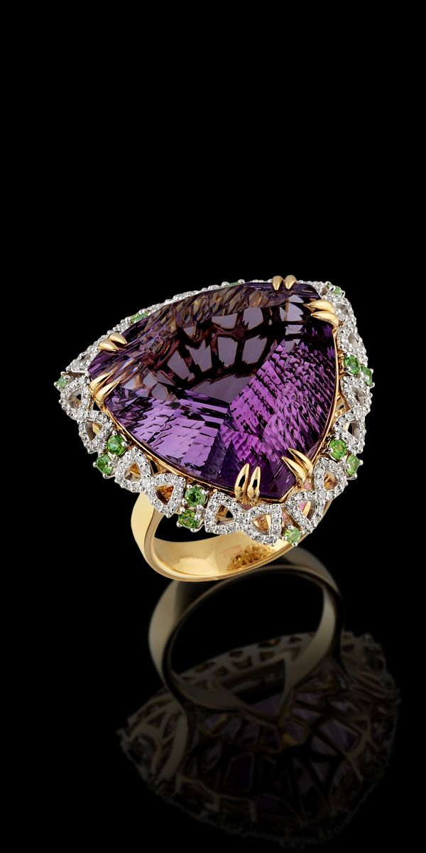 Master Exclusive Amethyst Jewellery - Коллекция - Solo  Yellow and White Gold 585, Amethyst 28,21 ct, Diamonds and Tsavorit Ring