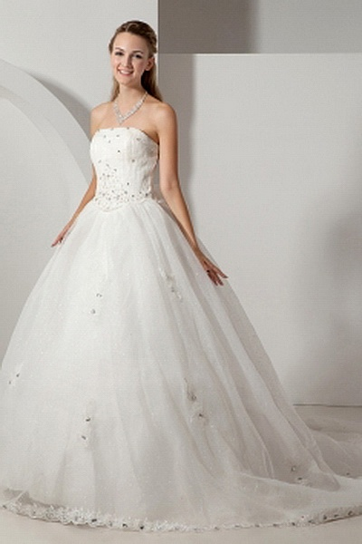 Ball Gown Tulle Elegant Bridal Gown wr0259 - http://www.weddingrobe.co.uk/ball-gown-tulle-elegant-bridal-gown-wr0259.html - NECKLINE: Strapless. FABRIC: Tulle. SLEEVE: Sleeveless. COLOR: White. SILHOUETTE: Ball Gown. - 136.59