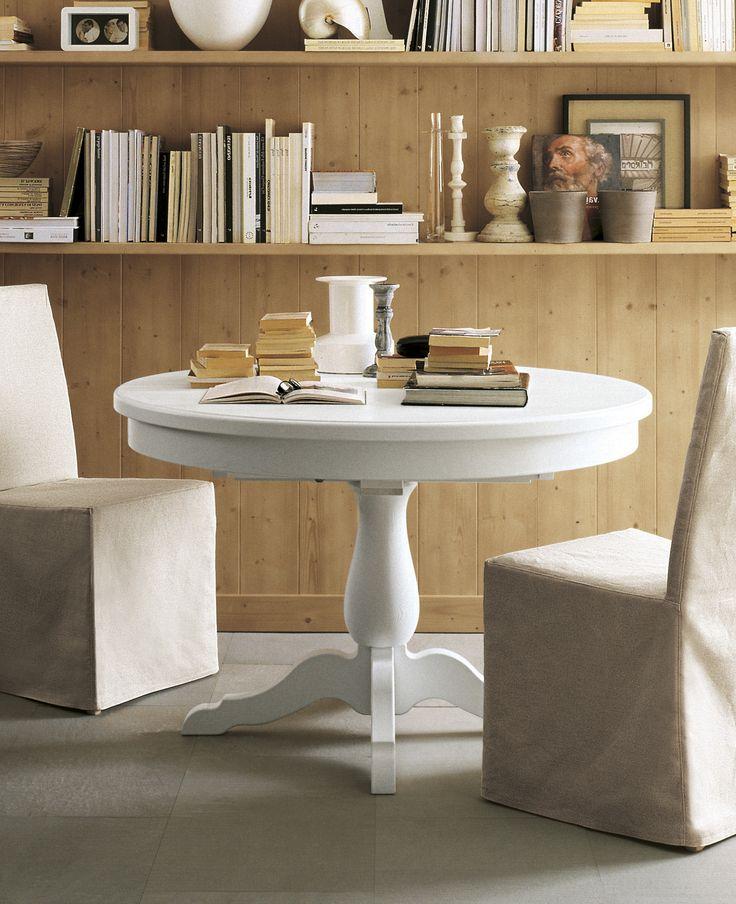 Tavolo rotondo allungabile di Scandola Mobili. / Extending round table by Scandola Mobili.  #Scandola #complementi #accessories