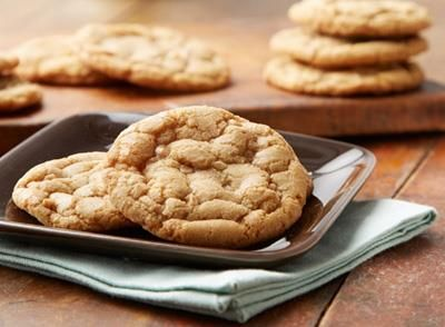 Learn how to make CHIPITS SKOR Toffee Bits Cookies Recipe with this easy recipe from HERSHEY'S Kitchens.