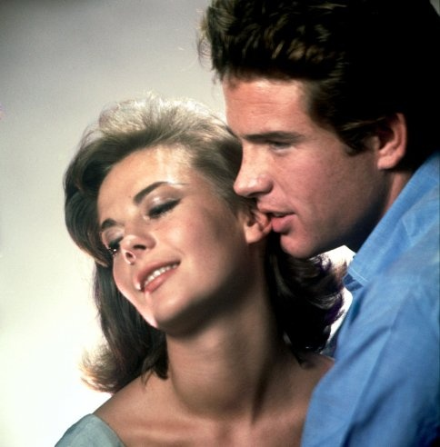 n 1961 Natalie Wood starred with an irresistibly brash and handsome Hollywood newcomer, Warren Beatty, in Elia Kazan's romantic drama Splendor in the Grass.