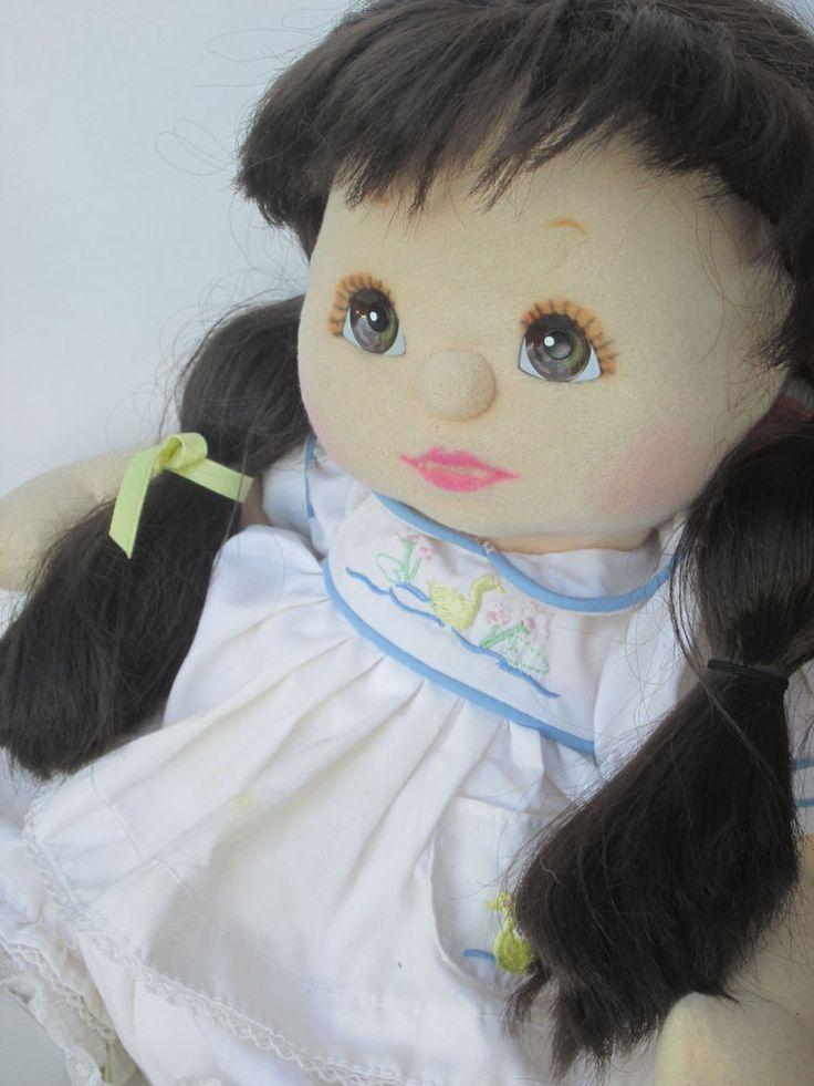 Poupée Mon enfant Brunette My Child doll straight ponytails Ducky Outfit