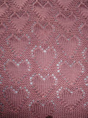 """Lots of Love"" Baby Blanket: Free Knitting Pattern"
