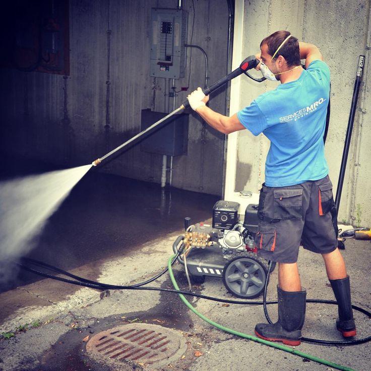 Avant l'été, un nettoyage en profondeur est fortement recommandé.  #nettoyage #entretien #laveuseapression #service #montreal #rivenord #rivesud