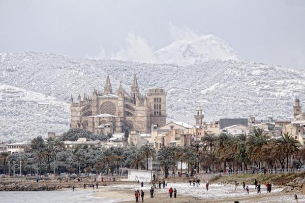 Palma de Mallorca covered in snow
