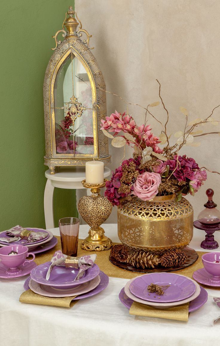 Gold Vases, Lanterns and Purple Royal Plate sets - Luxury Decorations - Fancy decorations