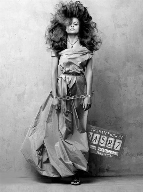 Helena Bonham Carter... What a lovely photo.