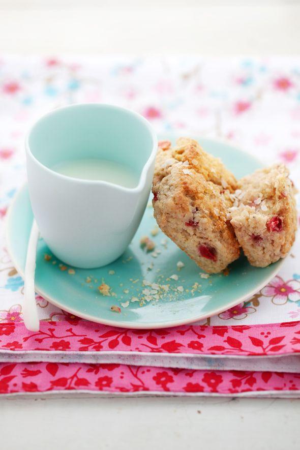 Strawberry and quinoa scones via canellevanille.com
