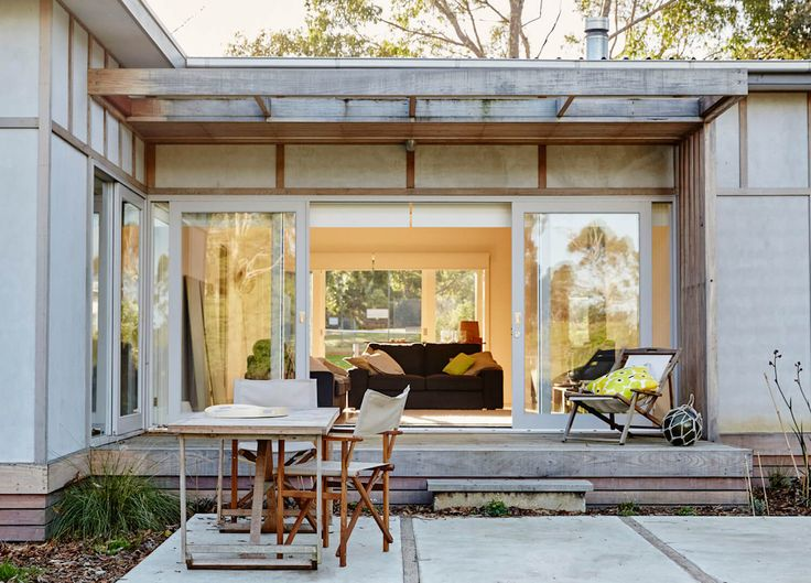 Outdoor Space | Shoreham Beach Shack by Sally Draper Architects | est living