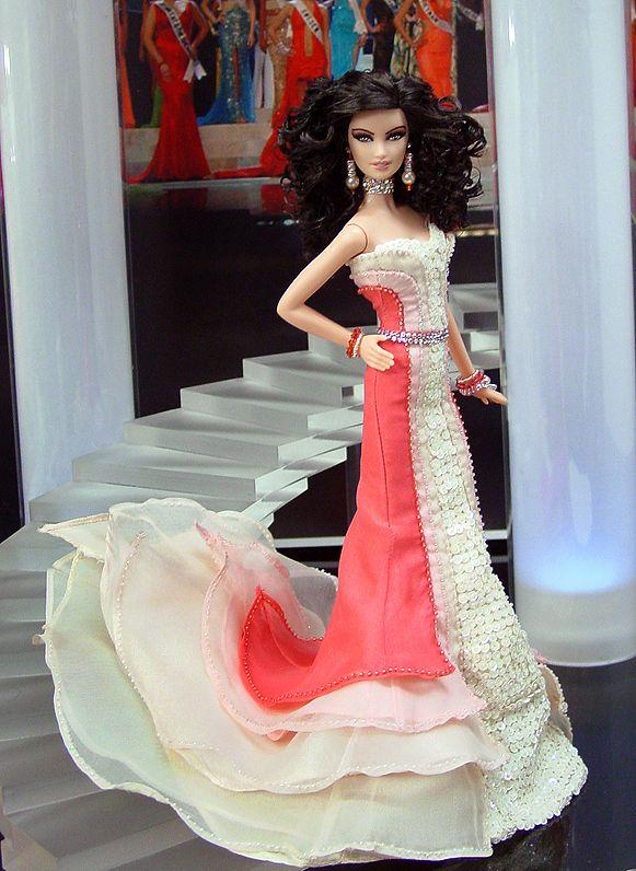 """Miss Nevada 2010 – Vestido inspirado de la actriz Fan Bing Bing  en el estreno de la pelicula """"Wu Xia"""" - Festival de Cannes, 64ª edición - Diseñador Atelier Versace Verano 2011"""