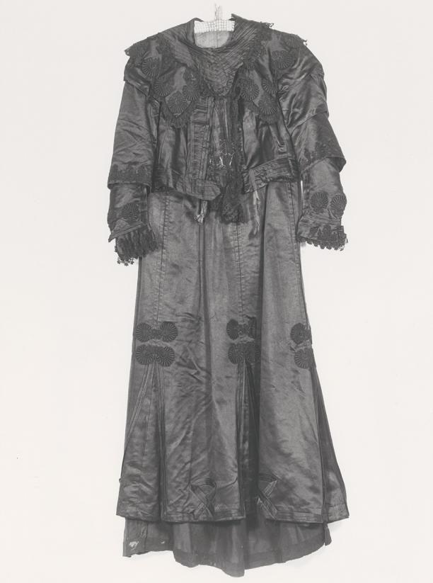 Tweedelige jurk bestaande uit lijfje en rok | Modemuze
