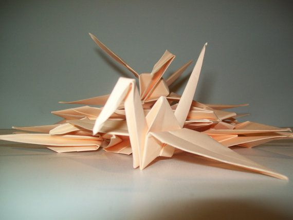 Set of 100 Origami Paper Crane for Wedding, Engagament,  It is 100% handmade. Color: Peach   It is ideal for Wedding decoration, gift to your