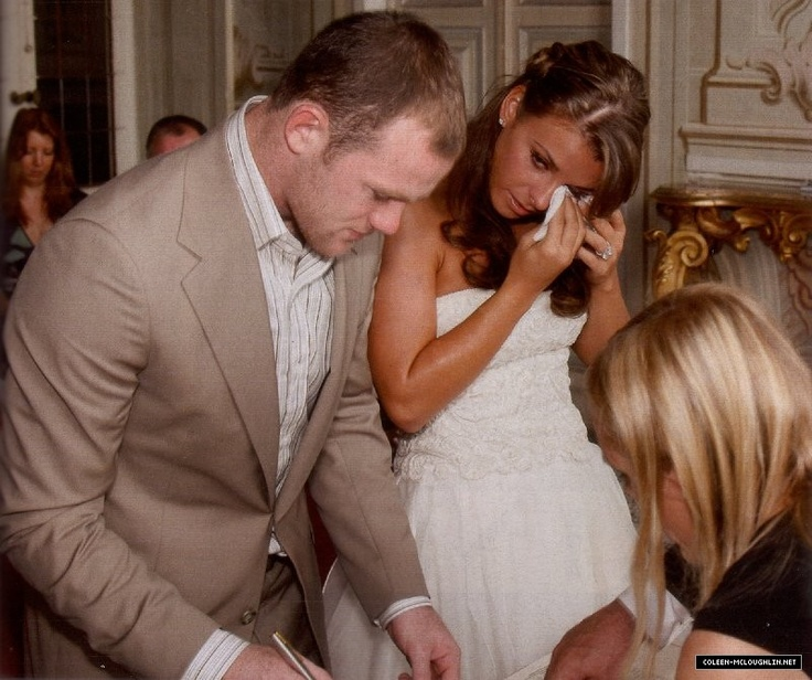 Manchester United S Wayne Rooney Marrying His Childhood Sweetheart Coleen In Italy