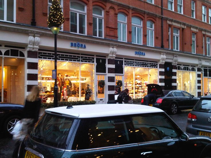 We love the shop front for the flagship Brora store in Sloane Square.