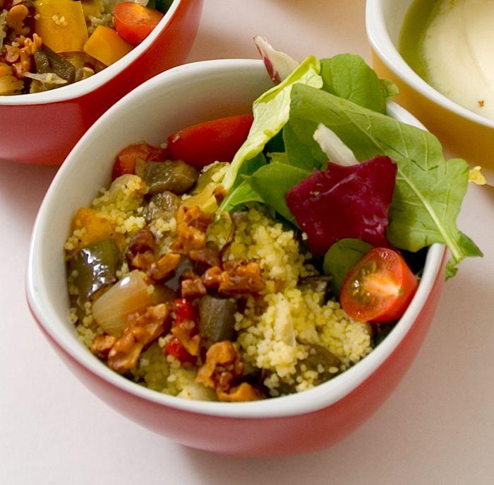 Combine couscous marroquino com uma deliciosa sopa de ervilha. Veja como fazer!