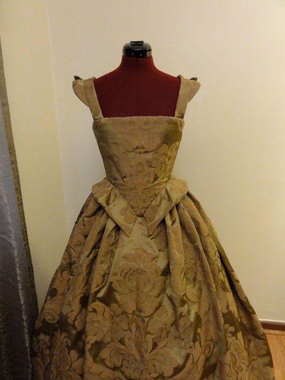 Green Renaissance Elizabethan Gown Dress by CourtlyClothier, $200.00