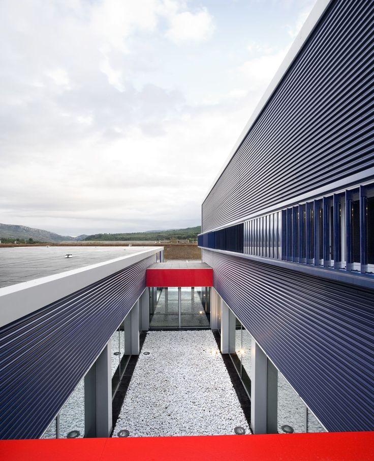Gallery of Estación de Policía Montblanc / taller 9s arquitectes - 9