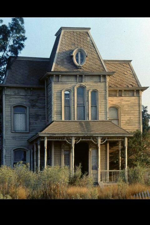 Abandoned abandoned buildings pinterest beautiful for Norman bates house floor plan