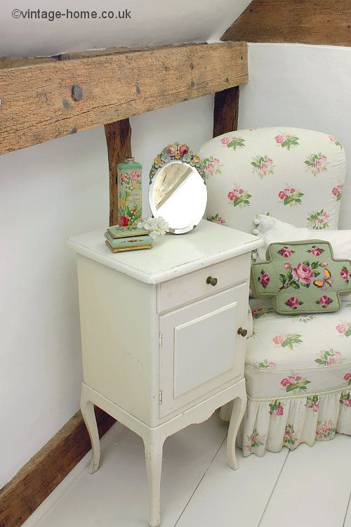 English Cottage Bedroom with Elegant Painted Cabinet and Floral Boudoir  Chair  www vintage. The 25  best English cottage bedrooms ideas on Pinterest   Cottage