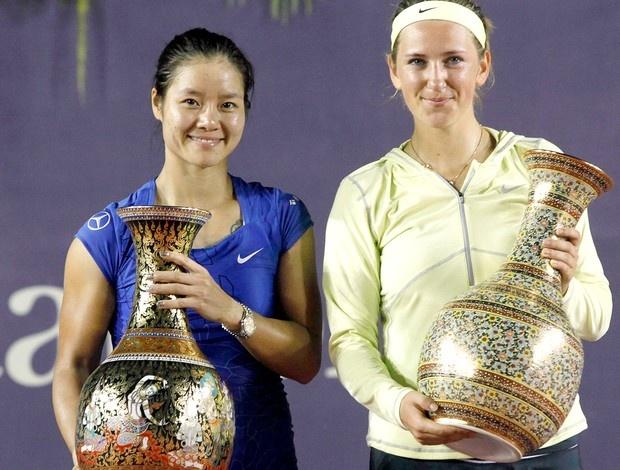 Victoria Azarenka e Na Li exibição tênis troféu Tailândia (Foto: Reuters)
