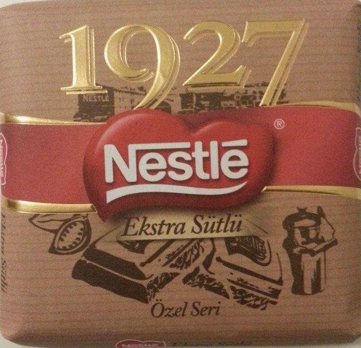 Bol sütlü bir çikolata ile güne iyi bir başlangıç yapmaya ne dersiniz? :) Nestle 1927 Sütlü Çikolata  *Nestle'nin 1927 yılında Türkiye'de üretimine başlaması ile ilgili özel seri bir üründür *%29 kakao içermektedir  Online satış: www.cikolatalimani.com/Nestle-1927-Sutlu-Cikolata,PR-115.html