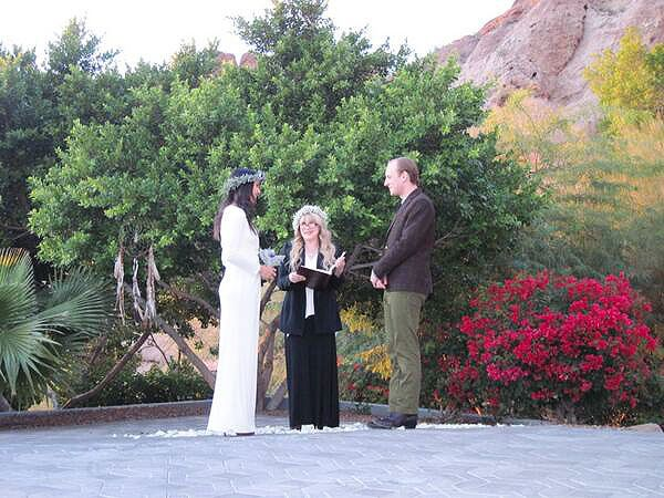 Vanessa Carlton Marries John McCauley – and Stevie Nicks Officiates| Weddings, Stevie Nicks, Vanessa Carlton
