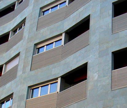 PIZARRA VERDE GUYANA de CUPA STONE en la fachada de un edificio de Zaragoza | #piedra #arquitectura #fachada #design #exterior #construcción