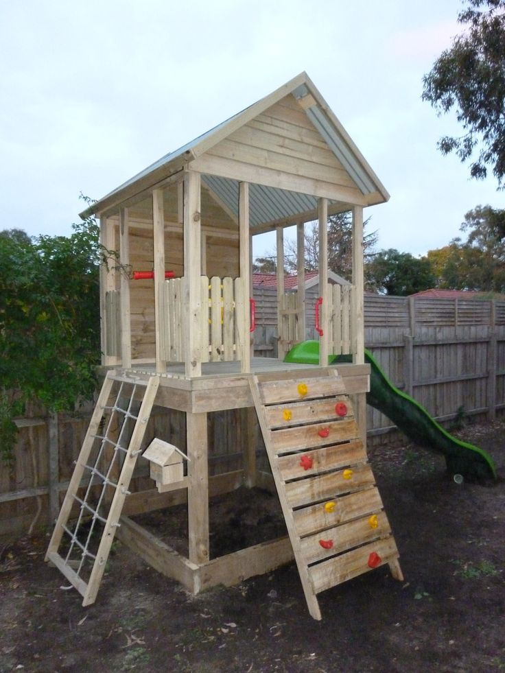 The Grand Central Fort promotes imaginative play. With many optional extras available this fort is built for fun. Get in touch to discuss your requirements.
