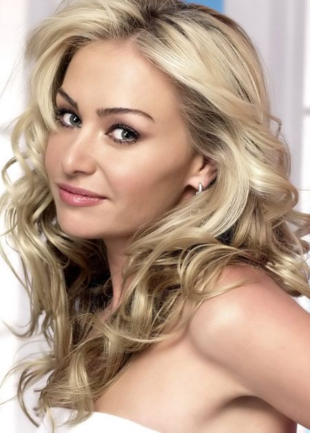 Portia de Rossi (January 31, 1973) Australian actress o.a. known from the series Nip/ Tuck and Ally Macbeal, and she is the partner of Ellen Degeneres.