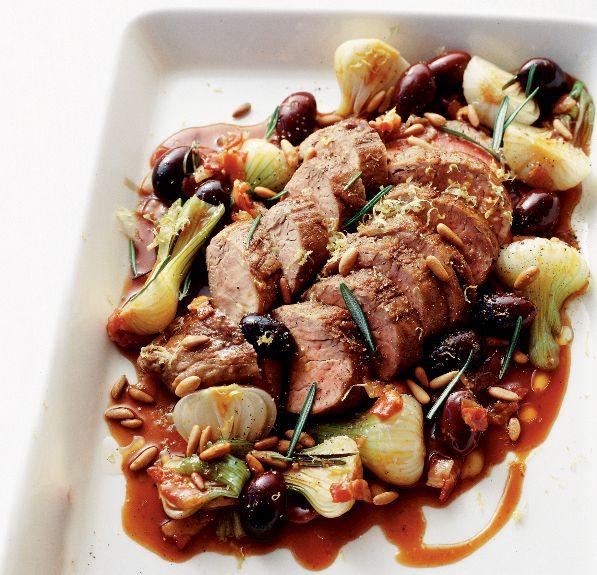 Fläskfilé är ett populärt kött i svenska hem. Det är dock inte lika lätt att tillaga som man vill tro eftersom det är ett magert kött som lätt blir torrt. Det är bara någon grad hit eller...