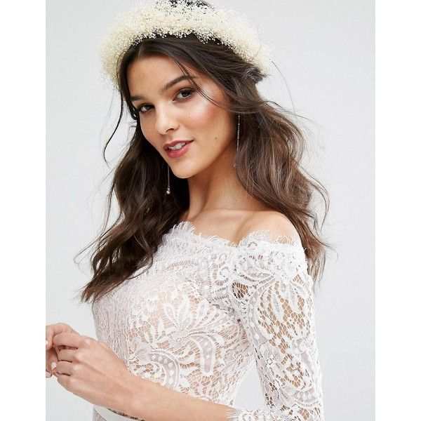 Rock N Rose Honey Dried Gypsophila Flower Crown ($68) ❤ liked on Polyvore featuring accessories, hair accessories, cream, flower crown, rock 'n rose, flower hair accessories, flower garland and floral crowns