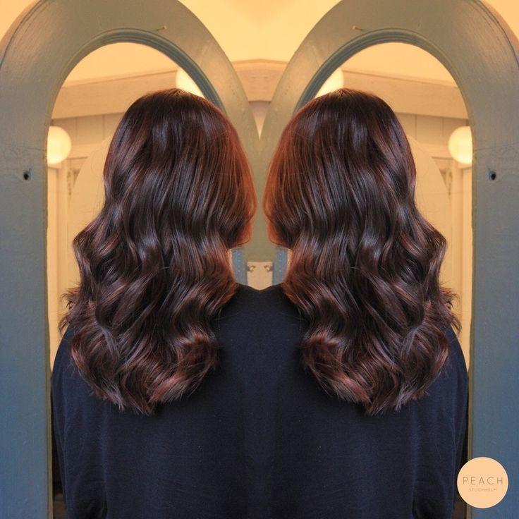 Chokladbrun hårfärg med koppartoner
