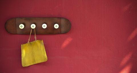 Les 25 meilleures id es concernant porte planche roulettes sur pinterest - Porte manteau a roulette ...
