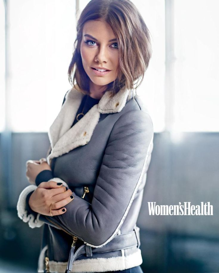 Lauren Cohan is definitely my lady crush from the Walking Dead. Love the jacket too.