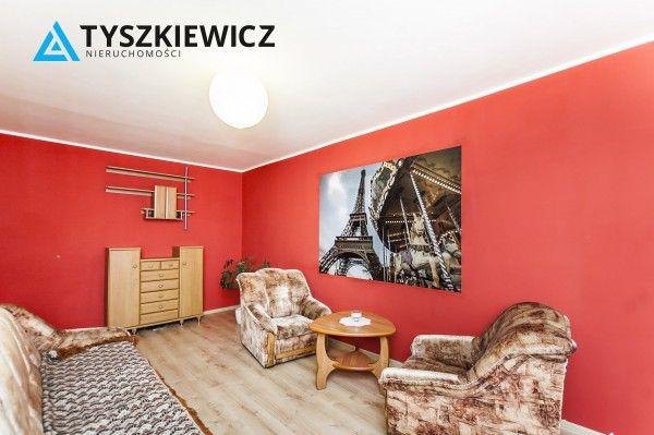 Przytulne i komfortowe mieszkanie w Gdyni! Mieszkanie składa się z dwóch ustawnych i przestronnych pokoi, z łatwą aranżacją wnętrz. Znajduje się w rozwiniętej i świetnie skomunikowanej dzielnicy miasta. W pobliżu m.in. sklepy, szkoły, przychodnia, przystanki pojazdów ZTM i Szybkiej Kolei Miejskiej. #gdynia #wzgorze #dzieci #morze CHCESZ WIEDZIEĆ WIĘCEJ? KLIKNIJ W ZDJĘCIE
