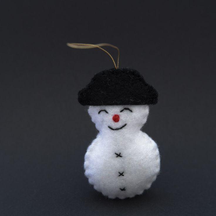 Dreaming snowman  - snowman, christmas decor, christmas gift, christmas decoration, cute, adorable. by HalloweenOrChristmas on Etsy