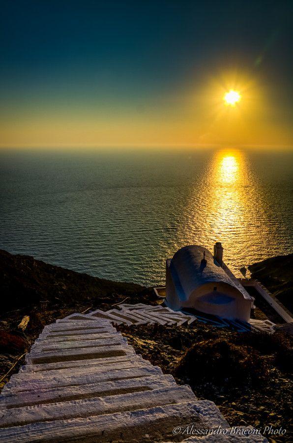 Sunset over Olympos village, Karpathos (by Alessandro Braconi)