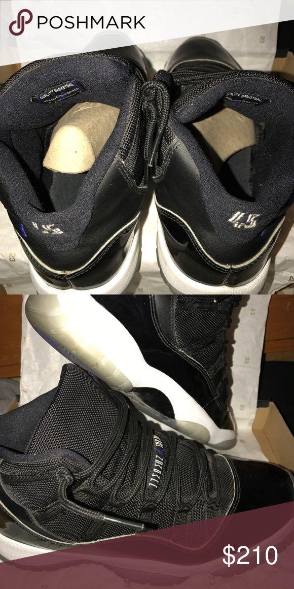 Air Jordan 11 Space Jam(2016) Minimal creasing. On the left shoe the soul is coming off at the top. Jordan Shoes Sneakers
